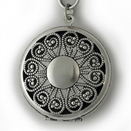 Silver Antique Vignette Locket - Willow
