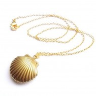 "Gold Plated Seashell Photo Locket w/ 18"" Chain"